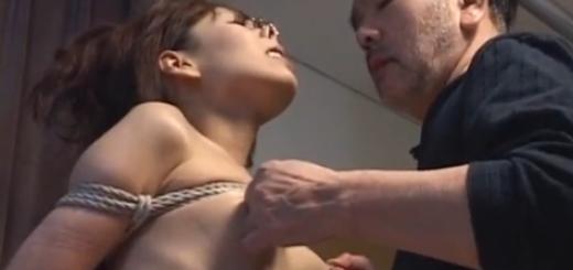 鼻フック乳首責めスパンキング調教される緊縛M女!【SM無料動画】