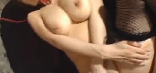 首輪を付けたマゾ調教済み爆乳M女の顔にザーメンぶっかけ!(友崎亜希)【SM無料動画】
