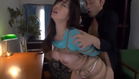 【KAORI】緊縛拘束した巨乳の人妻にクンニ責めバック突き鬼ピストン!【SMエロ動画】