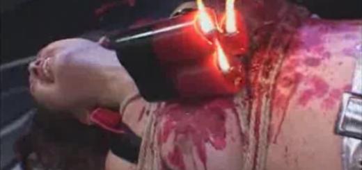 緊縛・片足吊りされたM女がクンニ責めされながら熱蝋責めされてヨガり狂う!【SM無料動画】