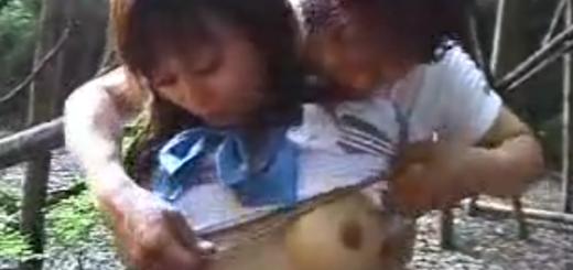 野外で緊縛拘束したセーラー服女子校生を手マン責め・強制フェラ・肉便器調教!【SM無料動画】