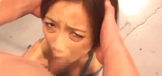 緊縛したM女にイラマチオ・SM調教!【SM無料動画】