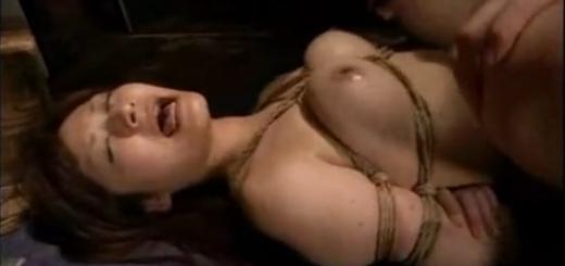 緊縛拘束された巨乳美女が高速ピストンで何度もイカされて絶叫中出しSEX!(さとう遥希)【SM無料動画】