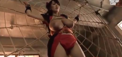 捕らえられた爆乳くノ一忍者が陵辱の乳首責めされてフンドシの上から手マンされる!(Hitomi)【SM無料動画】