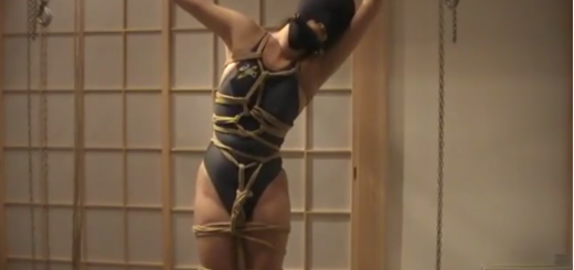 緊縛拘束・全頭マスクしたメス豚のローター責め放置プレイ!【SMエロ動画】